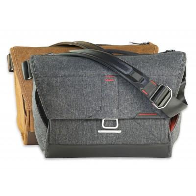 "Peak Design Everyday Messenger Bag 13"""